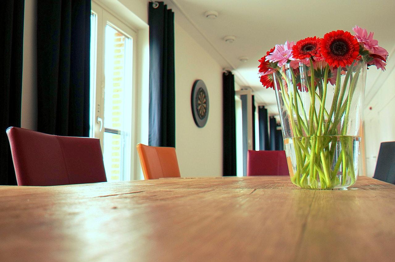 rode bloemen woonboulevard barendrecht rotterdam interieurinspiratie